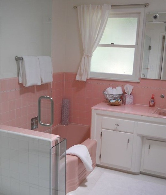 34 4x4 pink bathroom tile ideas and pictures for Retro bathroom designs