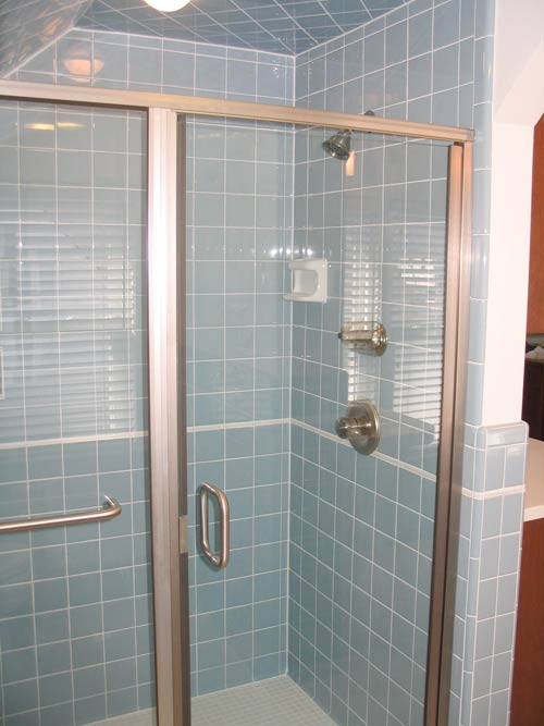 baby_blue_bathroom_tile_11