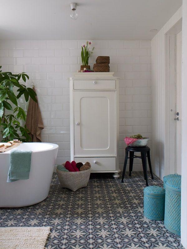 blue_bathroom_floor_tile_16