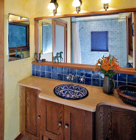 blue_ceramic_bathroom_tile_32