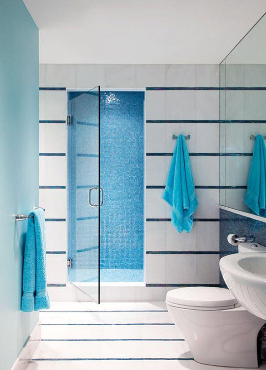 blue_glass_bathroom_tile_34