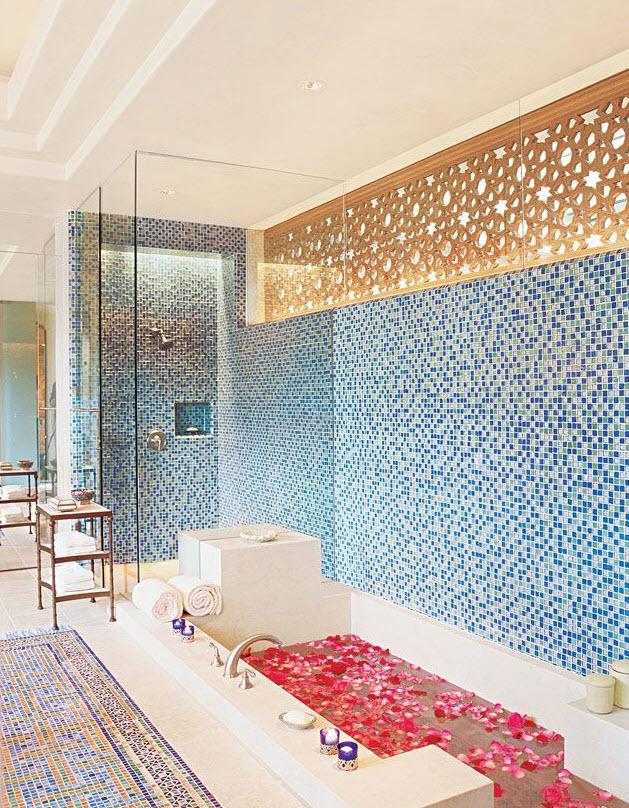 blue_glass_mosaic_bathroom_tiles_32