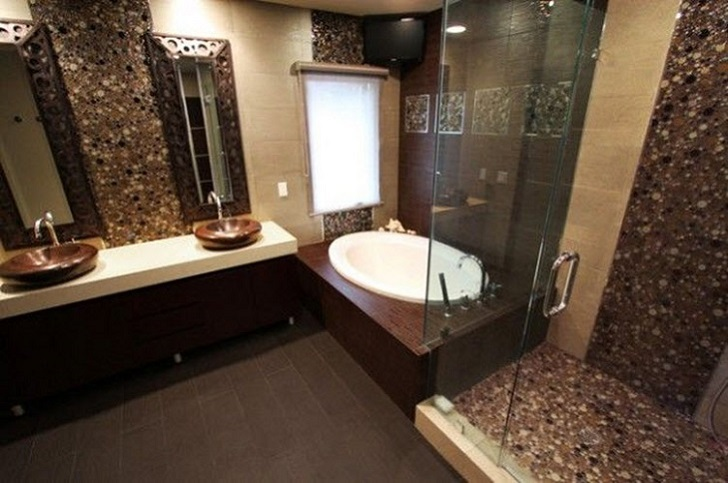 brown_mosaic_bathroom_tiles_12