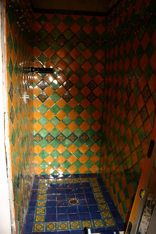 cobalt_blue_bathroom_floor_tiles_34