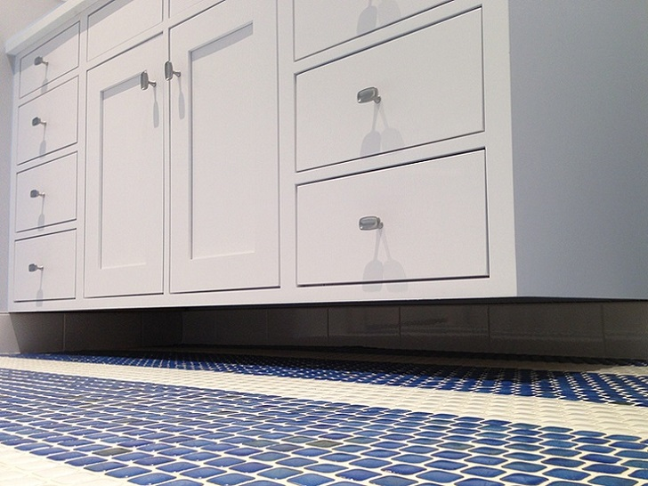 dark_blue_bathroom_floor_tiles_21