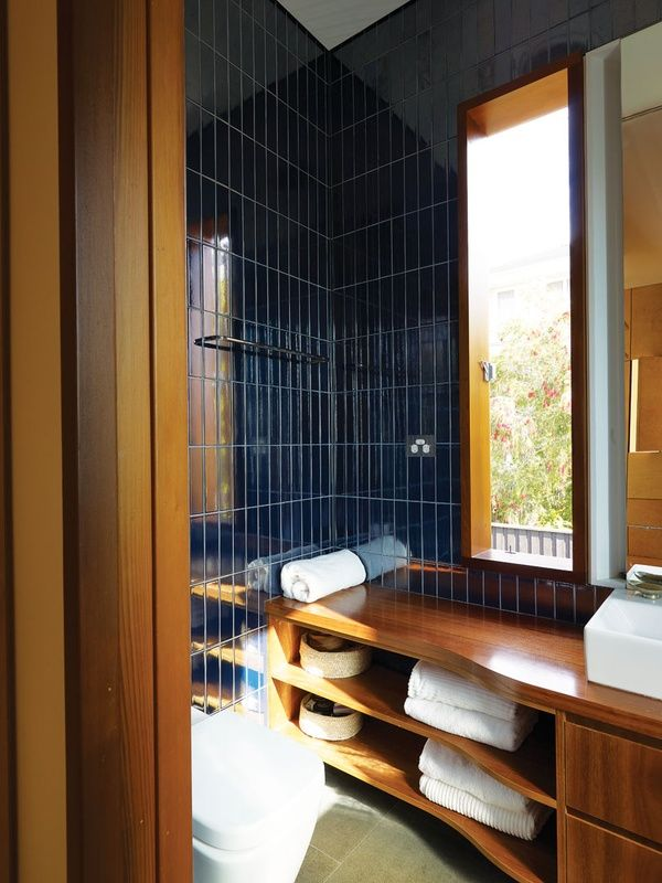 dark_blue_bathroom_wall_tiles_15