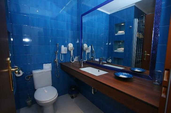 dark_blue_bathroom_wall_tiles_38