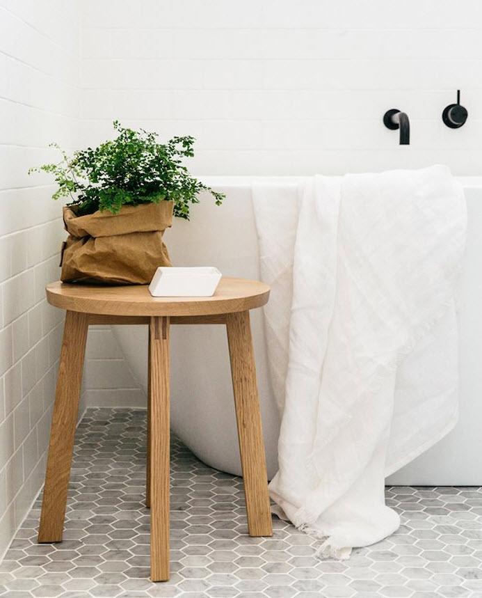 gray_hexagon_bathroom_tile_17