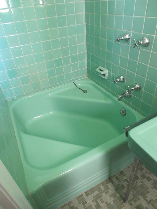 green_bathroom_tile_15