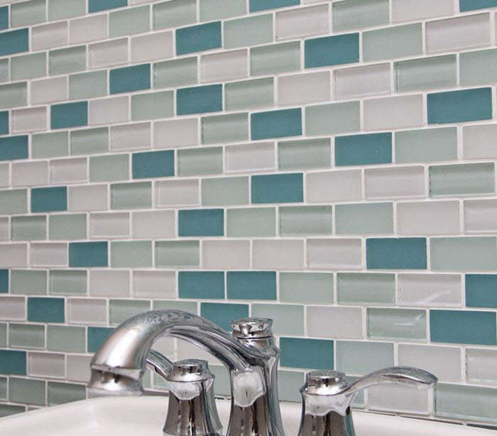 green_glass_bathroom_tile_17