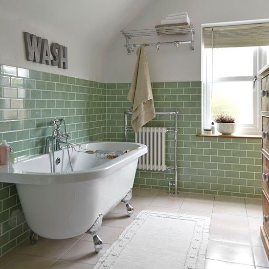 green_glass_bathroom_tile_23