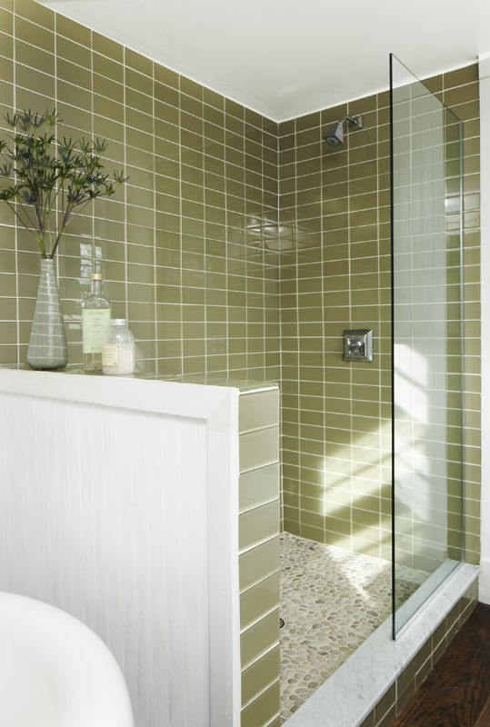 green_glass_bathroom_tile_32