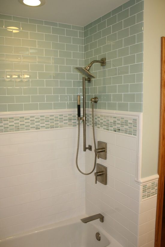 37 green glass bathroom tile ideas and pictures for Glass tile border bathroom ideas