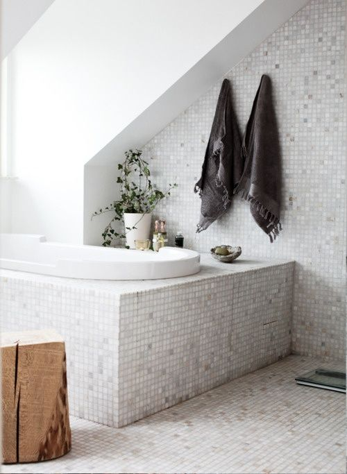 grey_mosaic_bathroom_floor_tiles_26