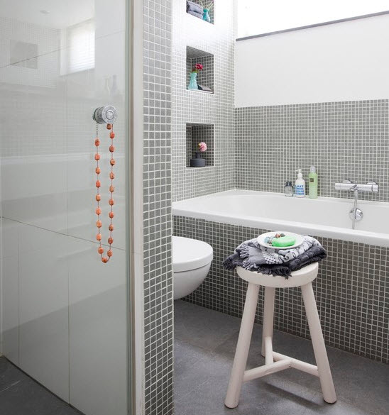 grey_mosaic_bathroom_wall_tiles_37