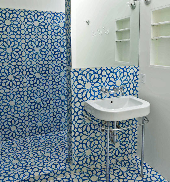 large_blue_bathroom_tiles_16