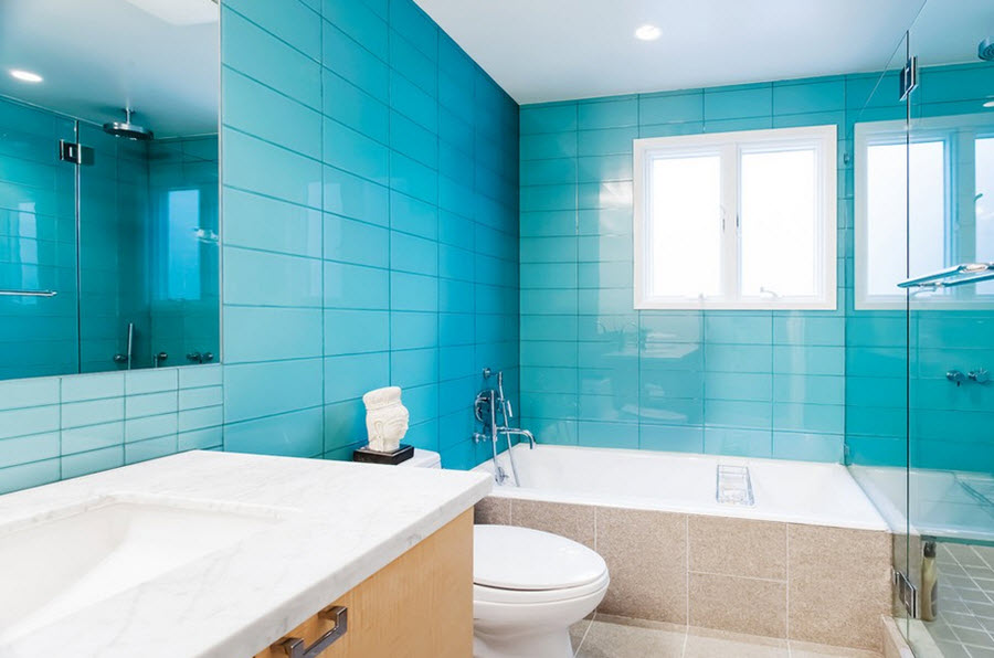 large_blue_bathroom_tiles_31