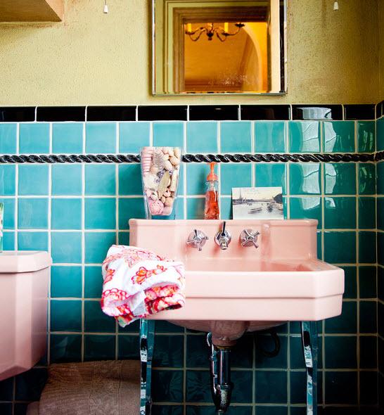 light_blue_bathroom_tile_39