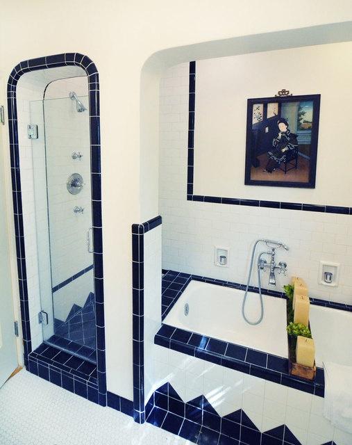 navy_blue_bathroom_tiles_19