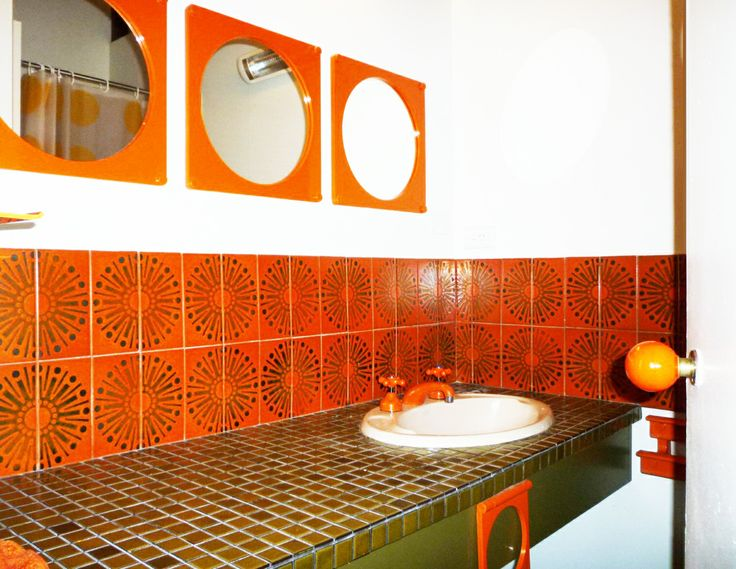 orange_bathroom_tiles_33