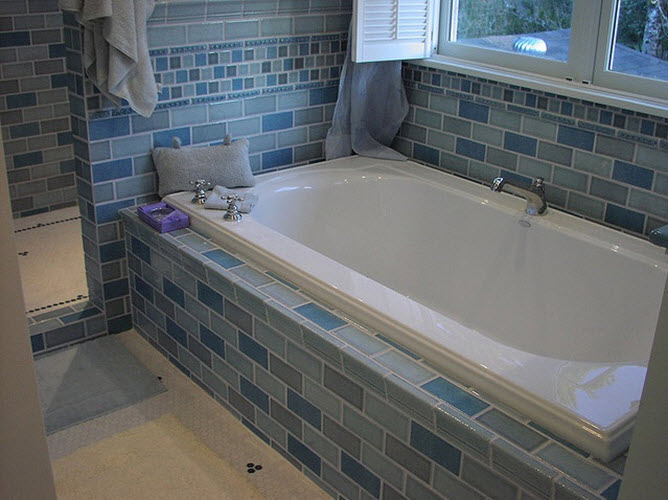 pale_blue_bathroom_tiles_25