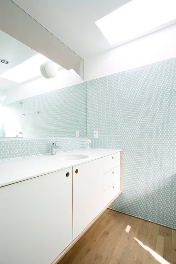 pale_blue_bathroom_tiles_8