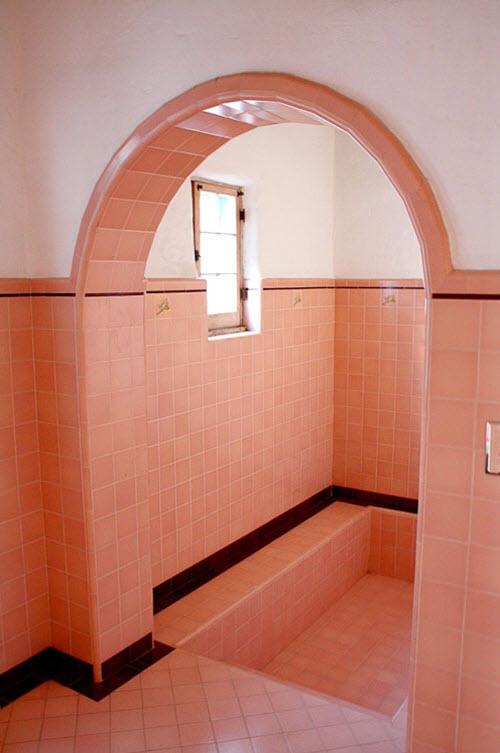 pink_bathroom_wall_tiles_1