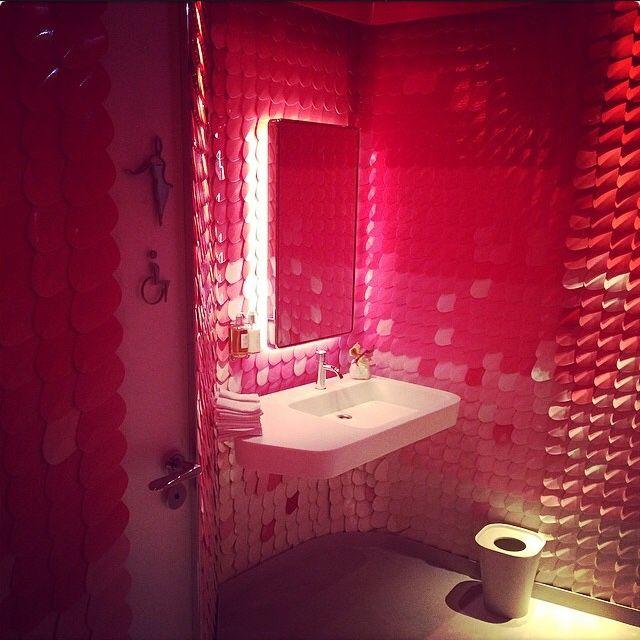 pink_bathroom_wall_tiles_13