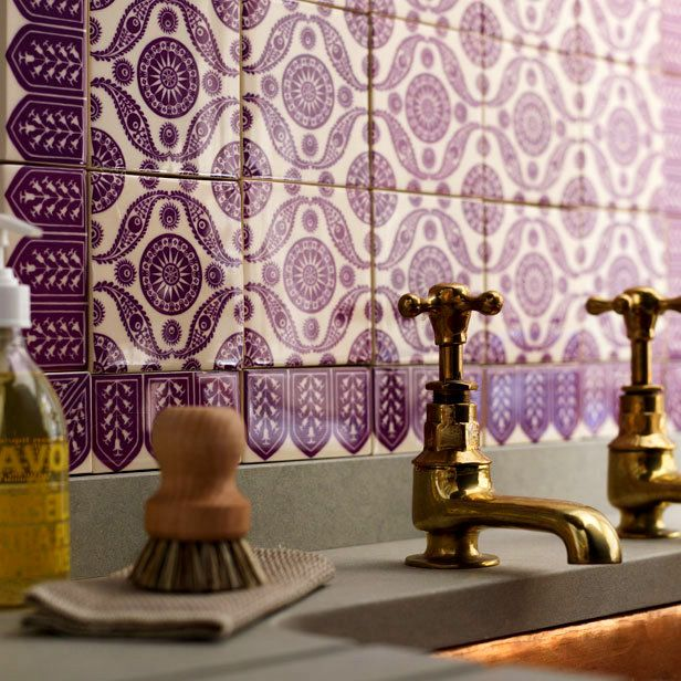 purple_bathroom_wall_tiles_2