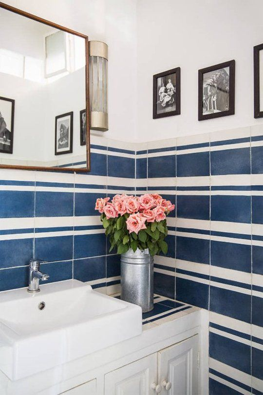 retro_blue_bathroom_tile_19