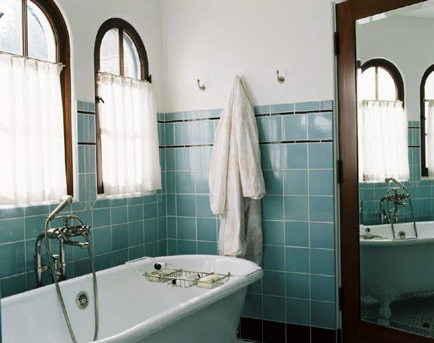 retro_blue_bathroom_tile_24
