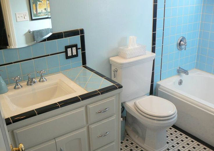 retro_blue_bathroom_tile_32
