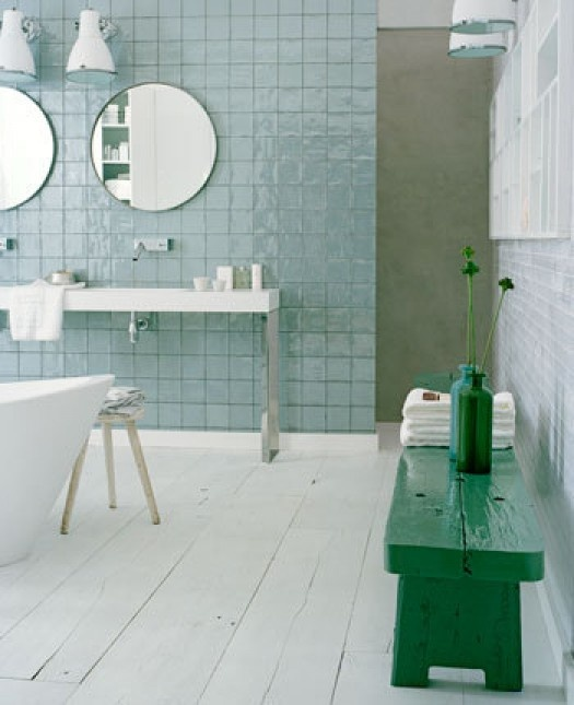 retro_blue_bathroom_tile_34