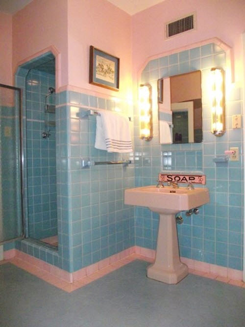 retro_blue_bathroom_tile_39