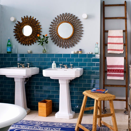 retro_blue_bathroom_tile_40