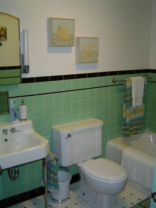retro_green_bathroom_tile_18