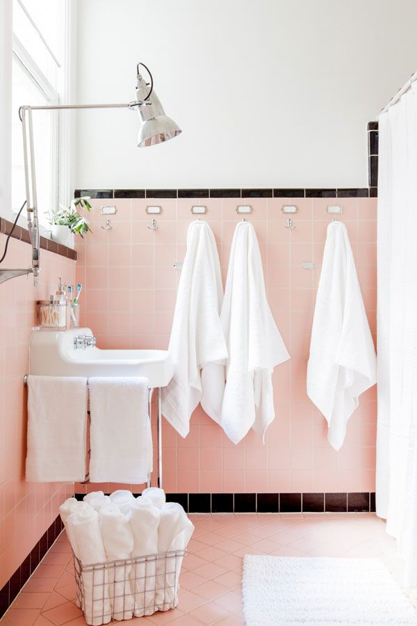retro_pink_bathroom_tile_32