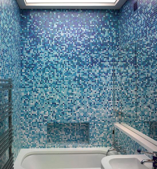 royal_blue_bathroom_tiles_26