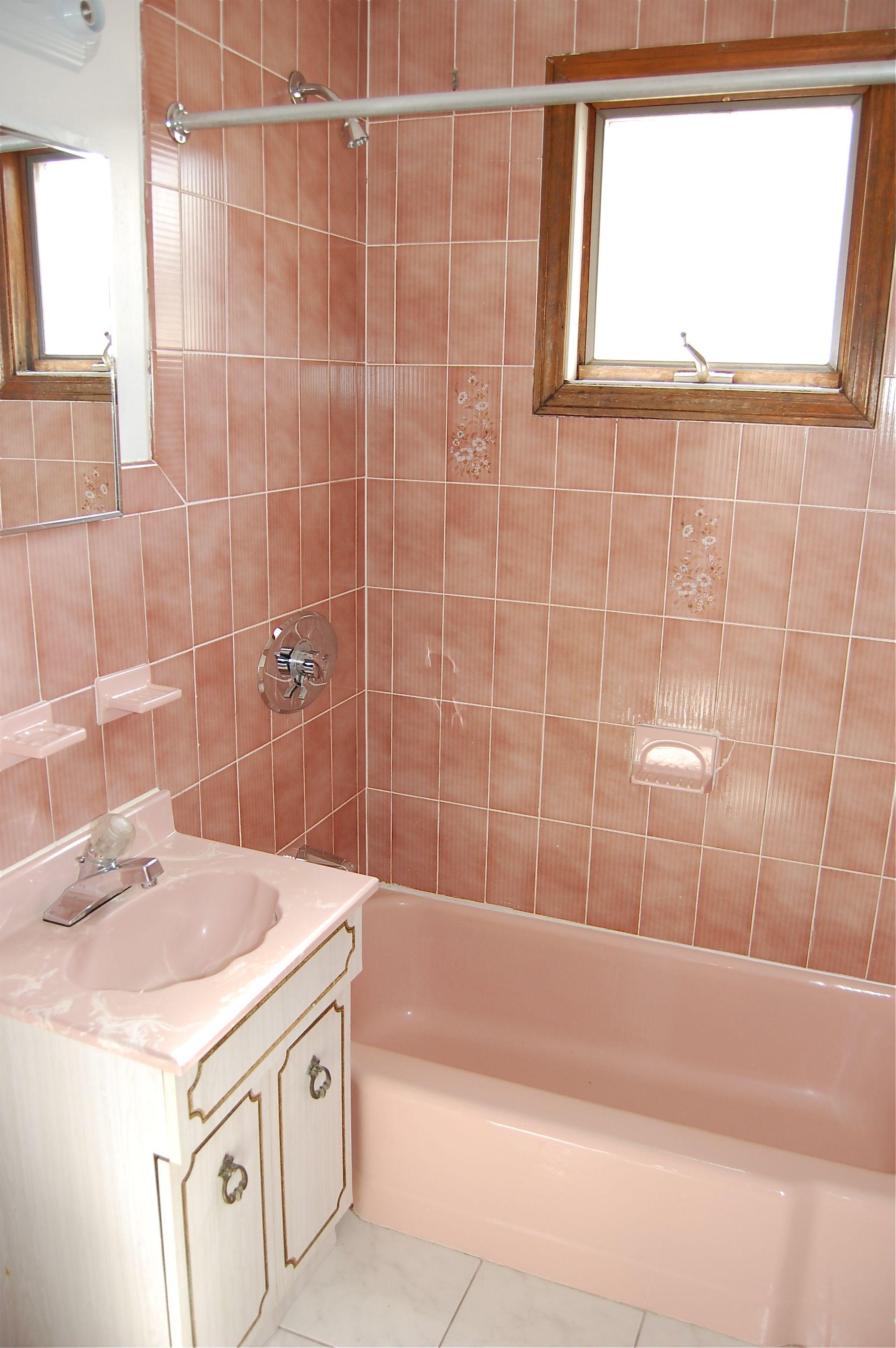 40 vintage pink bathroom tile ideas and pictures for Vintage bathroom tile designs