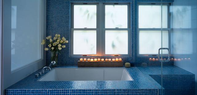 modern-blue-bathroom