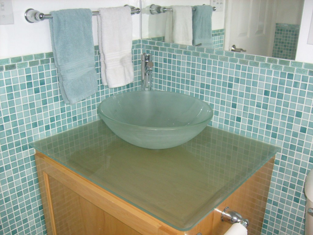 40 sea green bathroom tiles ideas and pictures for Glass tile bathroom designs