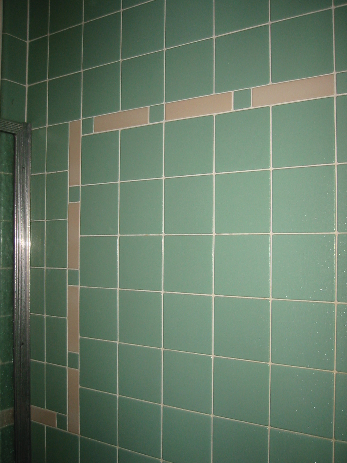 green-wall-tiles-1930s-bathroom-design-ideas