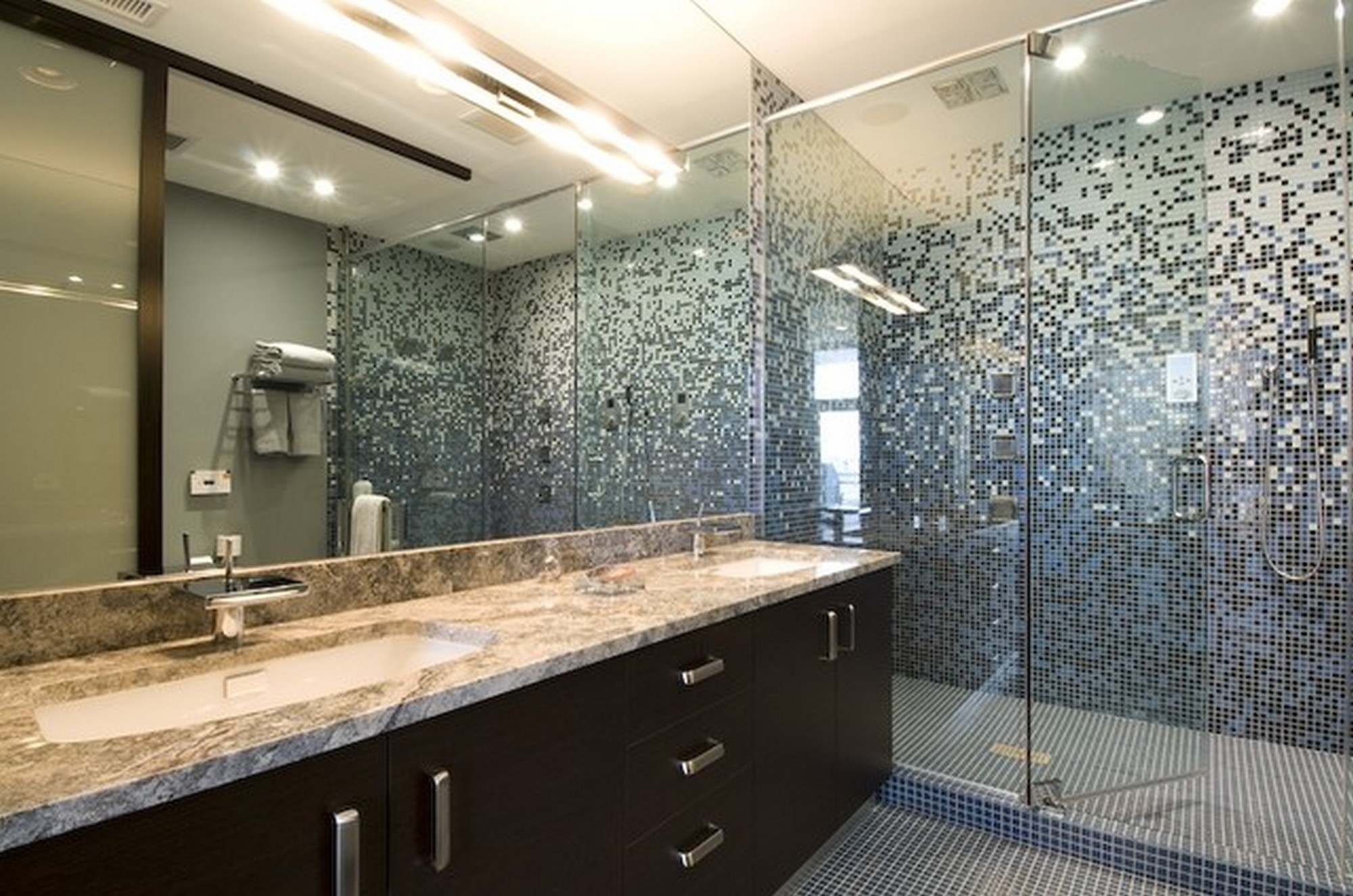 28 nice pictures of glass tile designs bath for Modern glass bathroom
