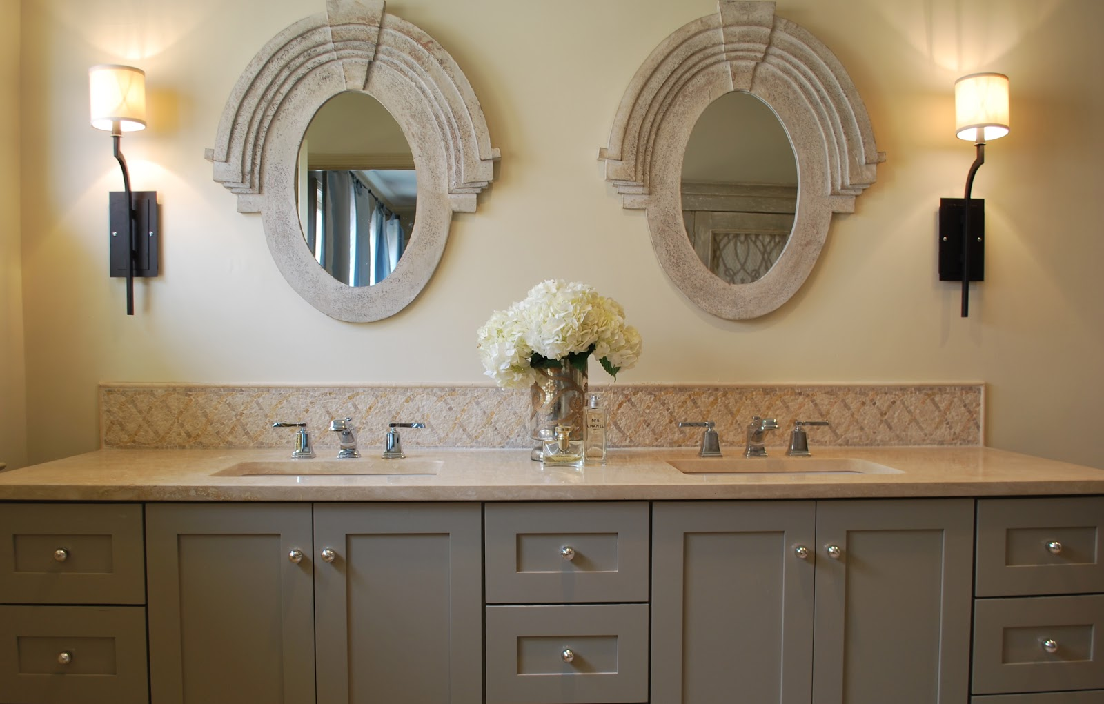 Image of: 18 Stunning Pictures Of Travertine Bathroom Tile Ideas 2020