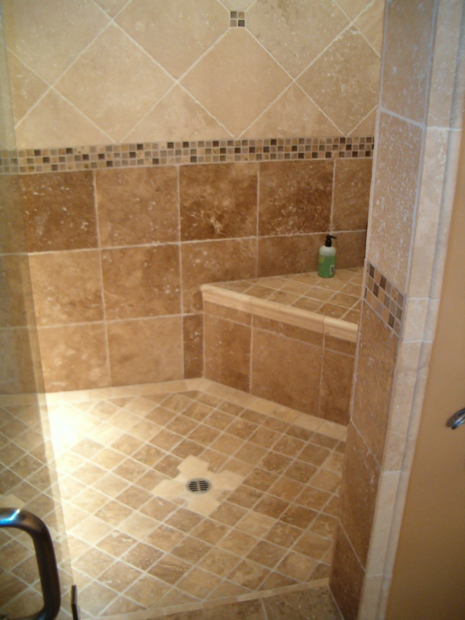 30 good ideas how to use ceramic tile for shower walls for Tile designs for bathroom