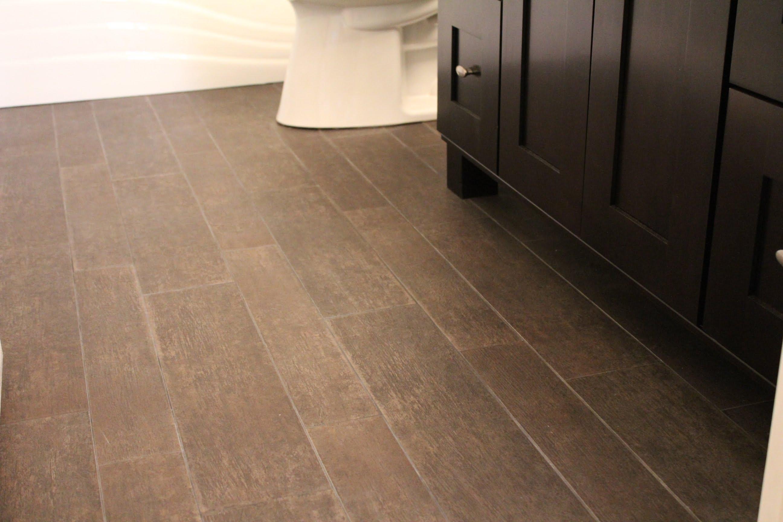19 Stunning Ideas For Wood Like Ceramic Tile In Bathroom 2019