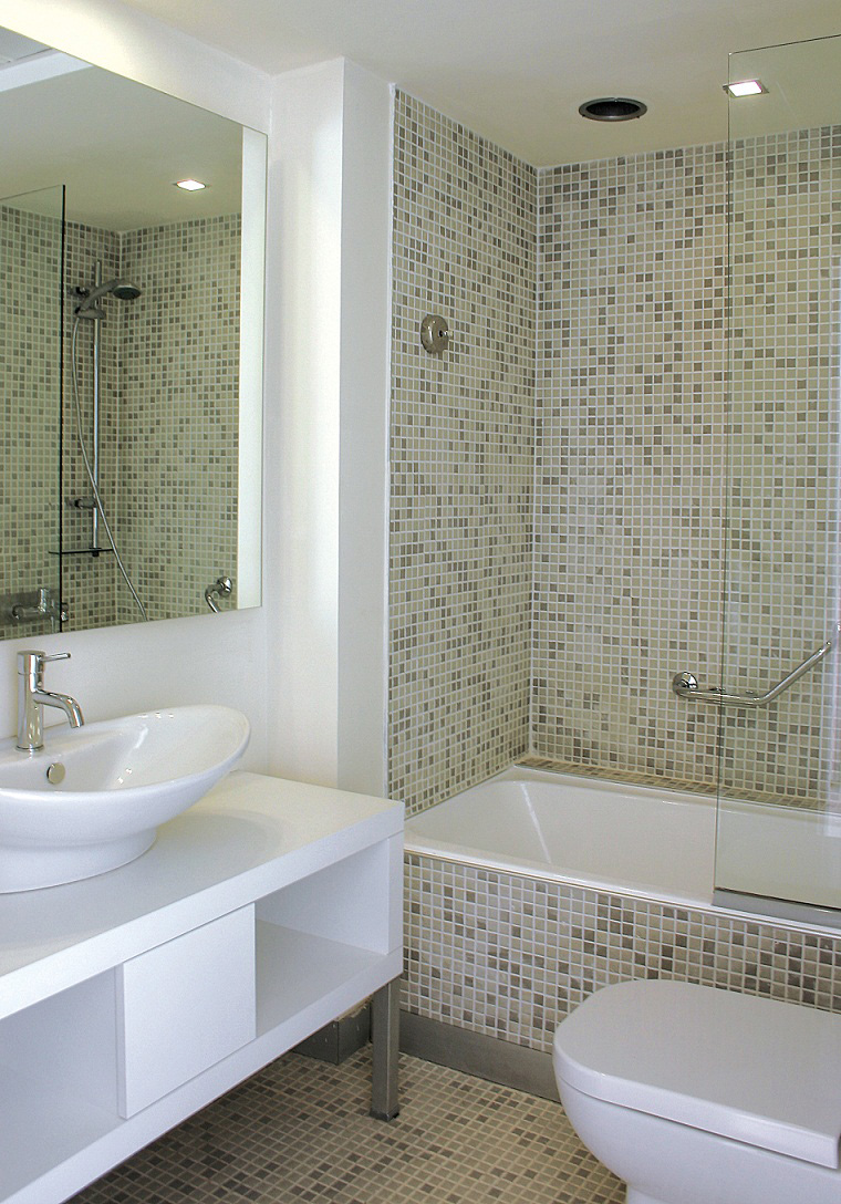 Nice Ideas Of Glass Tiles For Bathroom