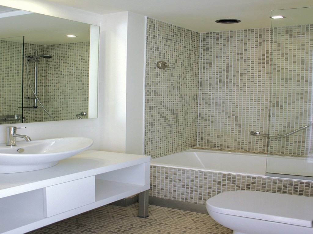 27 great ideas about sea glass bathroom tile