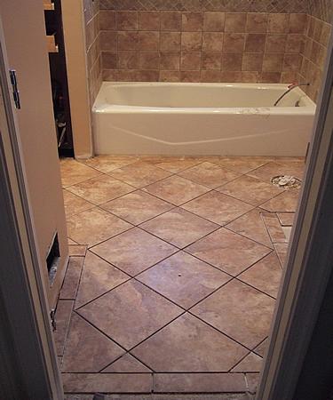 21 ceramic tile ideas for small bathrooms 2020