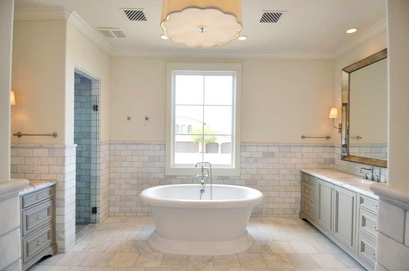 Alternative-Tiled-Bathroom-With-Elegant-Glass-Mirror
